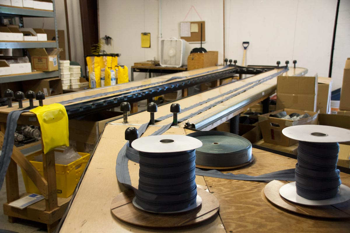 AIRE Zipper Tape with Teeth and Zipper Car Production Tables