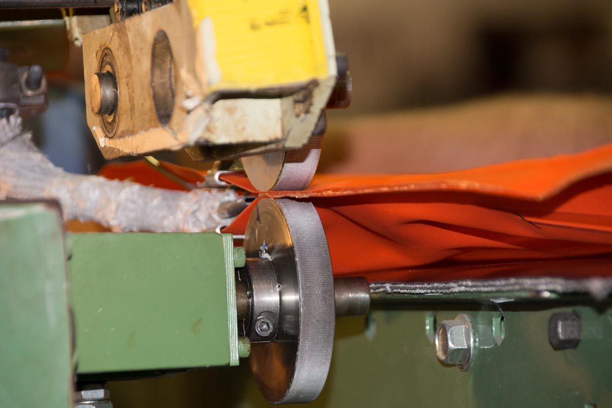AIRE Rafts Rolling Feed Flame Welder